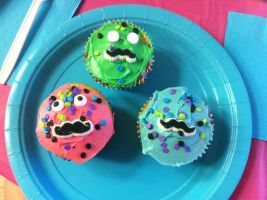 Circus Themed Party - Mustache Cupcakes by DreamstartheWarrior