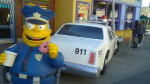 Chief Wiggum and his Car by Lizlovestoons12