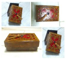 Crimson Fleur de Lys Box by blue-fusion