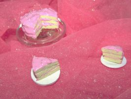 Miniature Pink Frosted Cake by kawaiibuddies