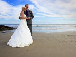 Julie and Terry's Wedding - The Iconic Pose by ExposurePersonality