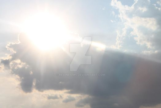 Sun hiding in the clouds by RevinFilms