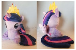 Twilight w/Crown Floppy by StarMassacre