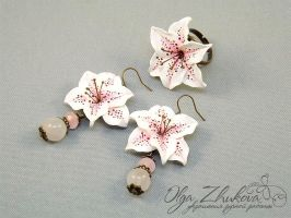 jewelry set with lilies by polyflowers
