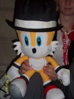 Tails with a hat by foxanime101