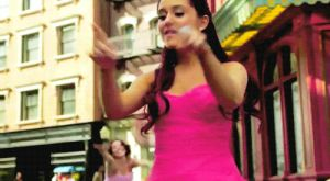 Ariana Grande GIF (Click Para ver) by RosiiEditions