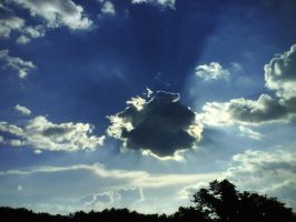Cloud and Sun II by ezy94