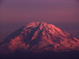 Mt. Rainier at sunset June 29 by CorazondeDios