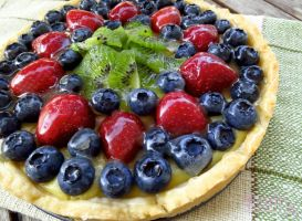 Berry and Fruit Custard Pie by SkuttyWan