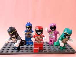 Kyoryuger (3 Heads tall Ver) by 0yakata