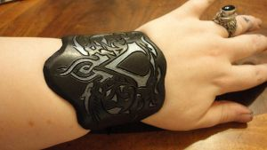 Custom Assassin's Creed Cuff by hellcattheassassin