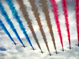 Red arrows passing by by sdsphotos
