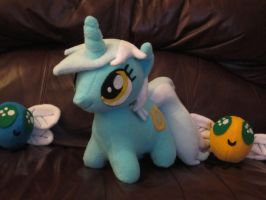 Lyra mini with friends by Echan33
