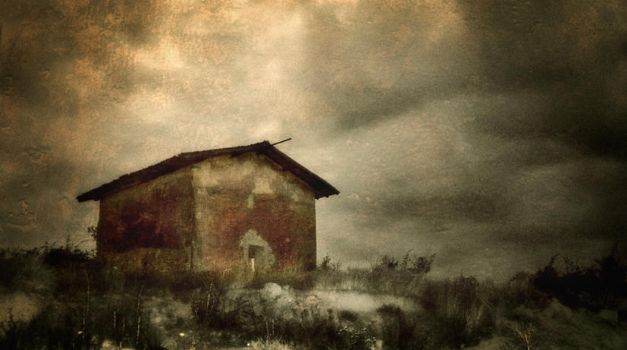 a red house... by Kaarmen