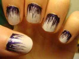 Purply nails by luminousleopard