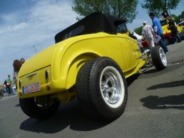 Yellow Hot Rod P.2 by someoneabletofindana