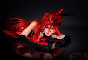 Grell: 's fond of the reflection by Odango-datte