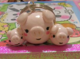 Mama Pig and Babies by kneazlegurl125