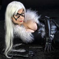 Black Cat - Eye Catching by Kyatto