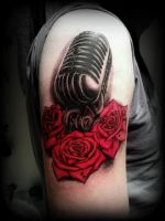 old microphone and red roses tattoo by Slabzzz