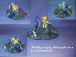 MLP:FiM custom shipping diorama: Twi-Shy! by vulpinedesigns