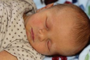 Newborn Baby Johnathan 6 days by Cyberpriest