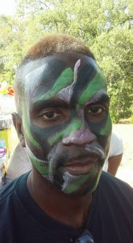 camoflauge face paint by funfacesballoon
