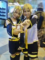 Kagamine Twin - Otafuse the 3rd 2013 by elissamelissa96