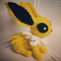 Jolteon (Crochet) by SirPurlGrey