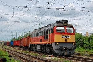 M62 321 with goods train by morpheus880223