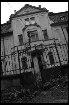 Haunted House 6 by Bveenhof