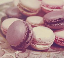 Macarons mignons, tout ronds by Cumulonymbus