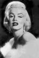 Marilyn Monroe by x-Rommie-x
