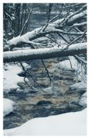 Rapids in Winter by xuvi