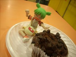 Yotsuba and her Muffin by blindychan