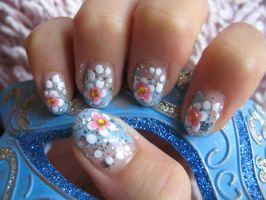 Glitter Flowers Nails by oMARUo
