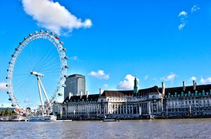 View the London Eye. by Skolie