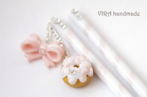 Lolita hair sticks with bow and doughnut by virahandmade