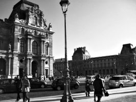 The Louvre by renzipoo