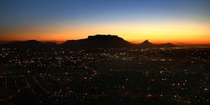 Table Mountain Sunset by Pixeleater