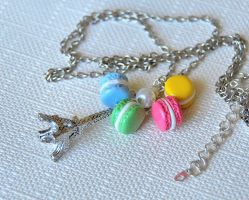 Macaroon Necklace by Madizzo