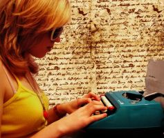 Typewriter by gemmylostx3