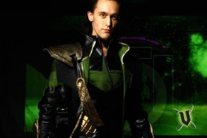 Loki Cosplay + V motion by Teenageher0