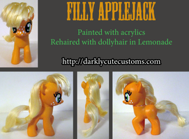 Filly Applejack by Kanamai