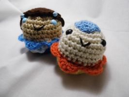 Aang and Katara Amigurumi Cupcakes by love-your-spleen