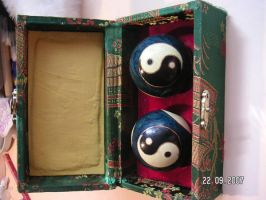 YingYang Balls by Beautelle-stock