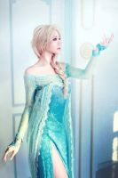 Elsa Frozen Cosplay by Asuka by aoyypn