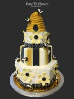 Beehive Cake by ArteDiAmore