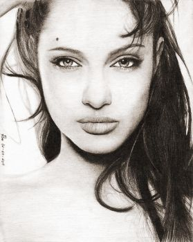 Angelina Jolie by artechx