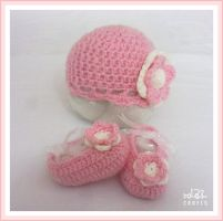 Pink Newborn hat and ballerina slippers by GehadMekki